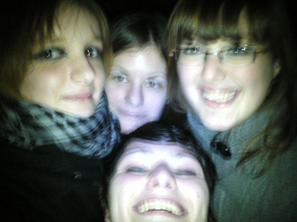 http://ozcyanure.cowblog.fr/images/amis/BILD0025.jpg